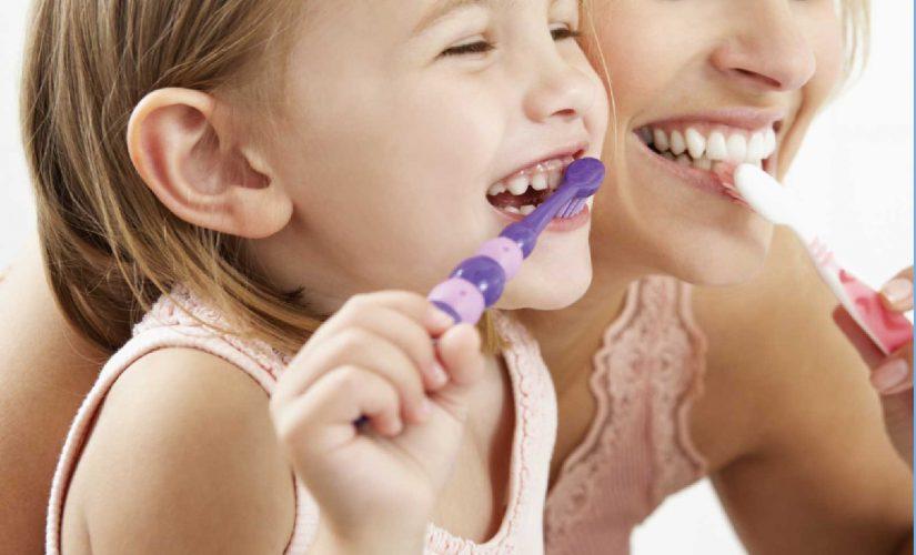 prva-zobna-scetka